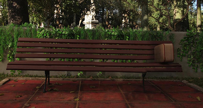 Image for Aj exteriérové scény sa vedia vryť do pamäti. Vieš, ktorý film preslávil túto lavičku?